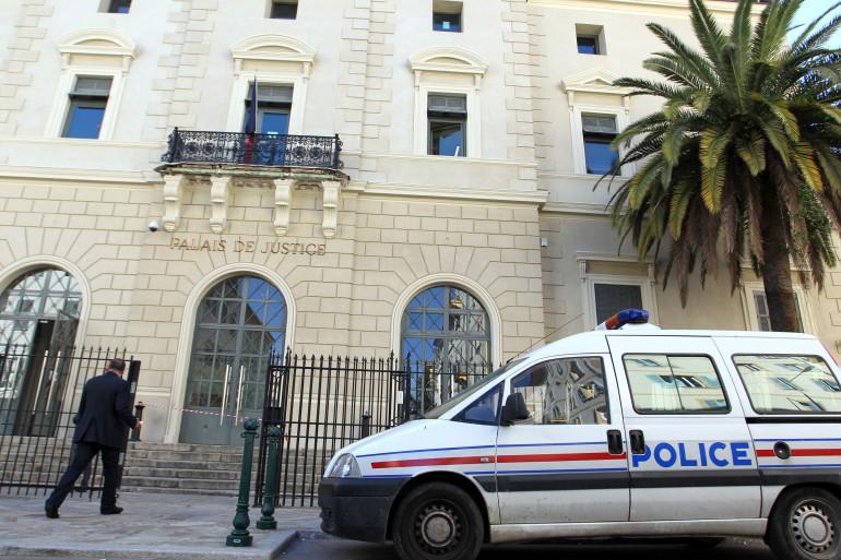 Une voiture de police devant le Palais de Justice d'Ajaccio (illustration)