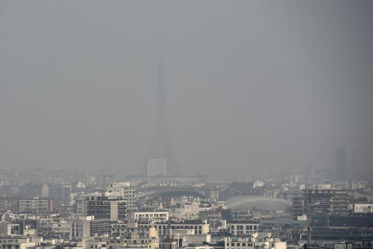 Paris lors d'un pic de pollution le 18 mars 2015.