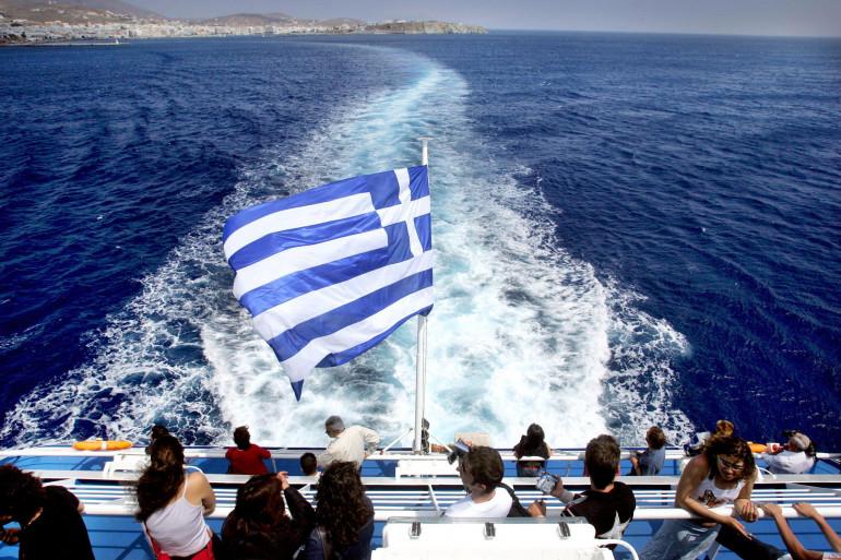 Un bateau de touristes au large de la Grèce (illustration)