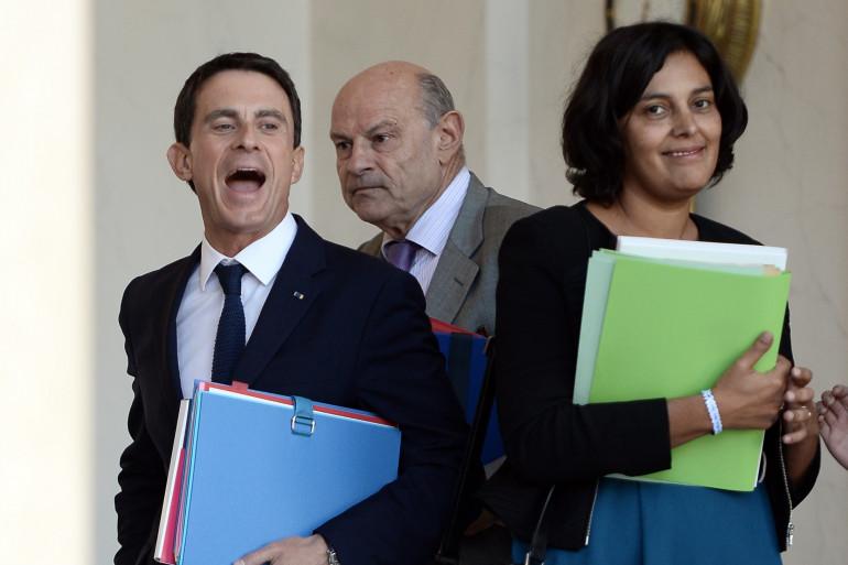 Myriam El Khromi à la sortie du conseil des ministres accompagnée de Manuel Valls et Jean-Marie Le Guen