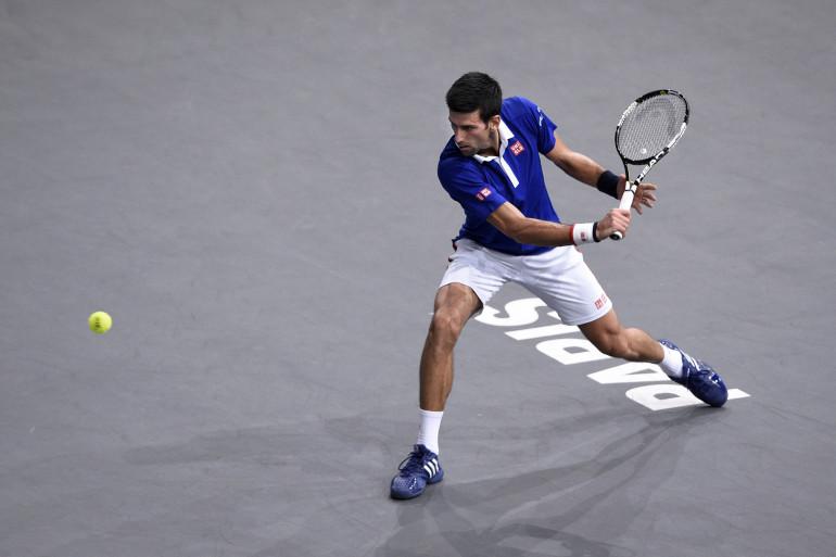 Le Serbe Novak Djokovic a remporté le Masters 1.000 de Paris-Bercy le 8 novembre 2015 contre Andy Murray