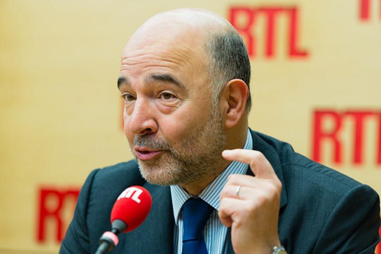 Pierre Moscovici s'est montré optimiste sur l'impact économique des migrants dans l'Union européenne, sur RTL le 9 novembre 2015