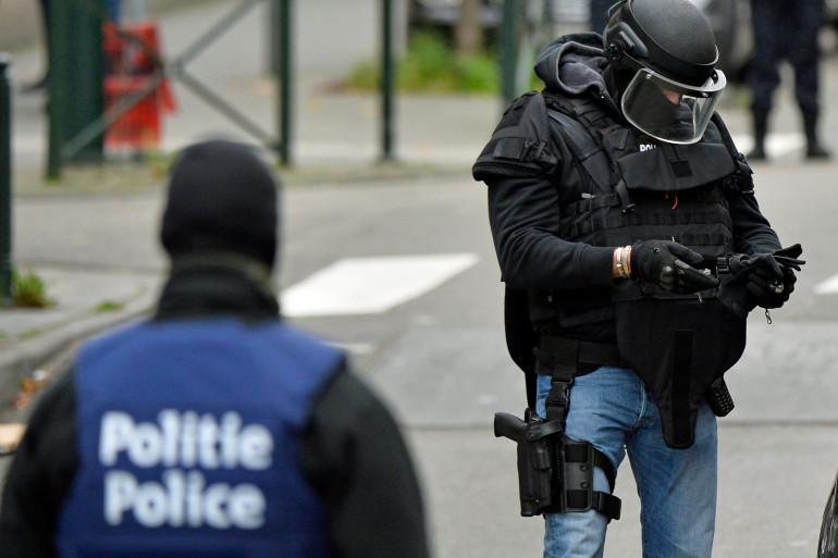 Les forces de sécurité belges dans le district de Molenbeek à Bruxelles, le 16 novembre 2015.