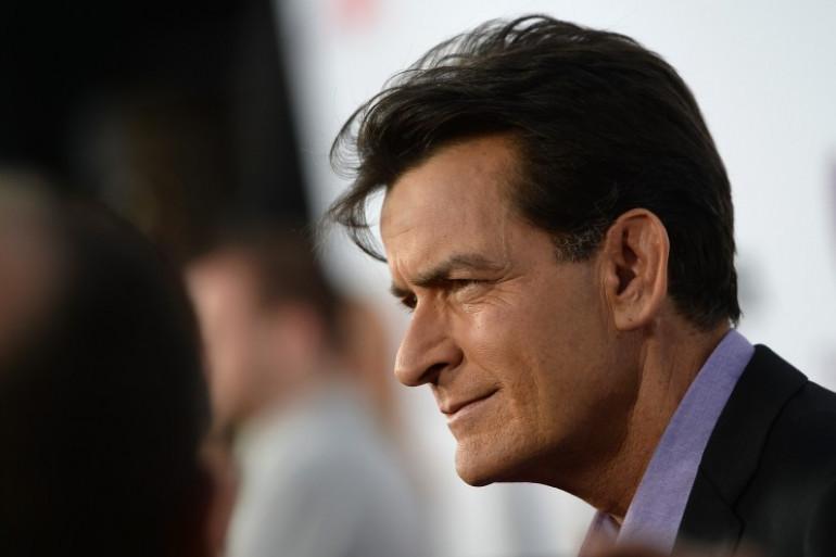 L'acteur Charlie Sheen révèle qu'il est séropositif