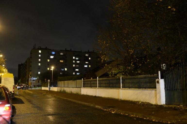Le quartier d'Aulnay-sous-Bois visé par une opération policière après les attentats à Paris, jeudi 19 novembre