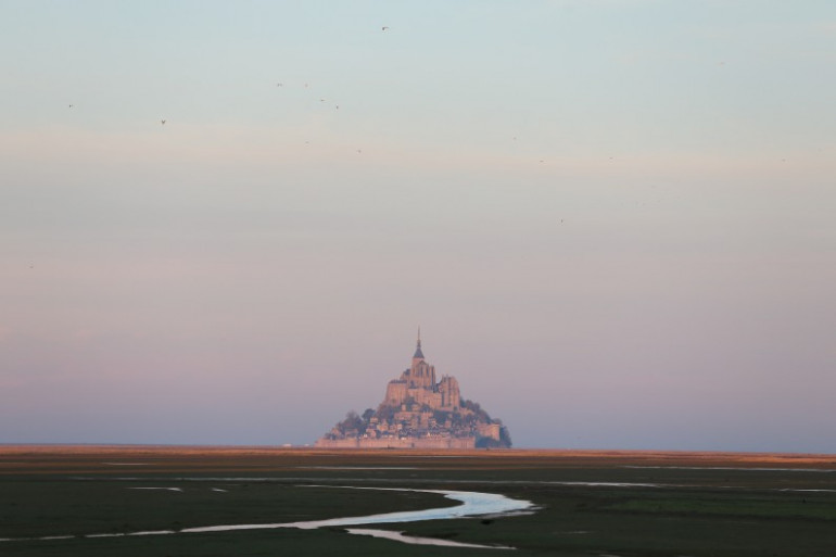 Le Mont-Saint-Michel est en Normandie.