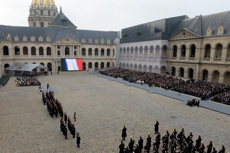 """Une vue de la cour des Invalides lors de l'hommage """"national et solennel"""" aux victimes des attentats du 13 novembre 2015"""
