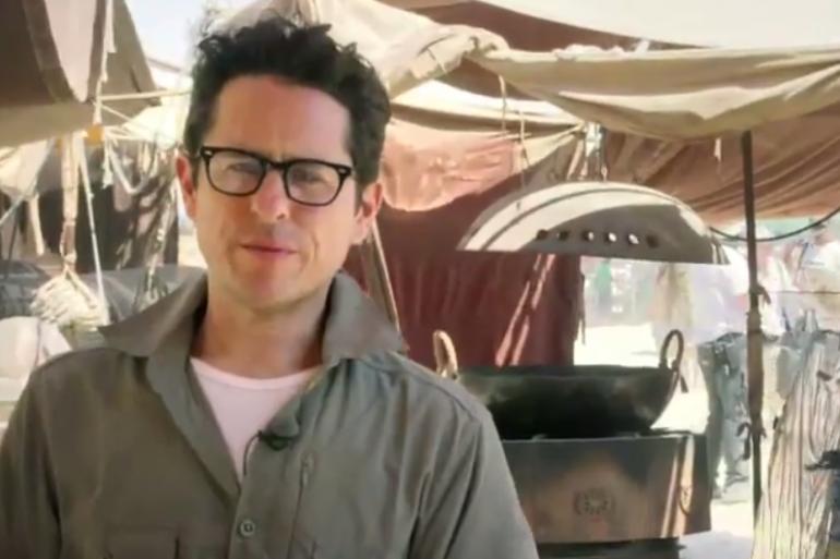 Le réalisateur JJ Abrams sur le tournage de Star Wars 7