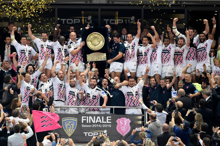 Le Stade Français célèbre sa victoire et son 14e bouclier de Brennus acquis en 2015
