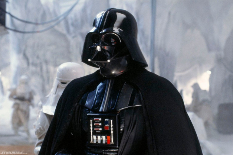 Dark Vador, personnage aussi iconique que central dans la trilogie originale.
