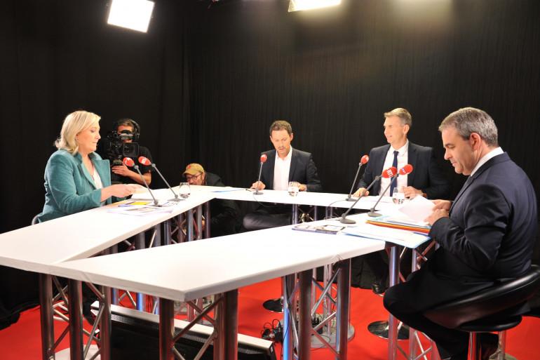 Élections régionales 2015 : le débat entre Marine Le Pen et Xavier Bertrand sur RTL