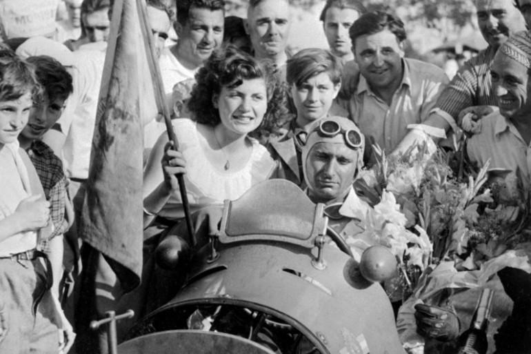 Le champion de F1 Fangio était aussi un coureur de jupons