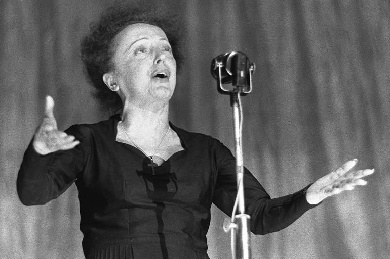 Édith Piaf le 30 décembre 1960 à l'Oympia. (Illustration)