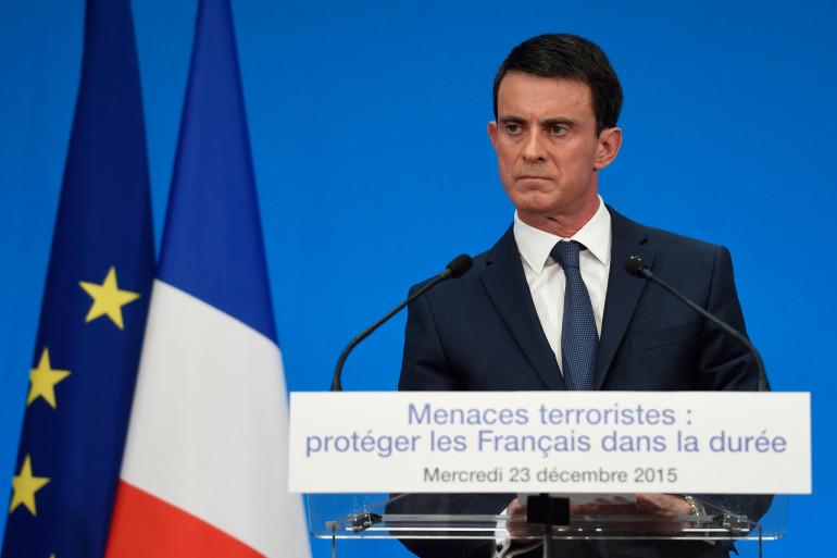 Manuel Valls en conférence de presse à la sortie du conseil des ministres du 23 décembre 2015