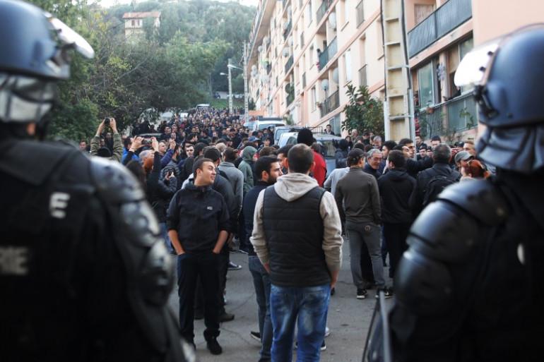 Des manifestations à Ajaccio au lendemain du saccage d'une salle de prière, le 26 novembre 2015
