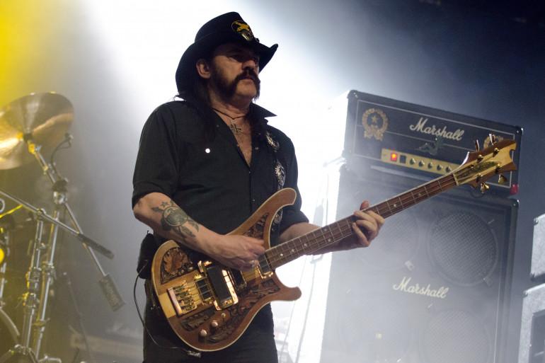 """Athéiste et tenant d'une vie """"rock'n'roll"""", Lemmy Kilmister est mort le 28 décembre 2015"""