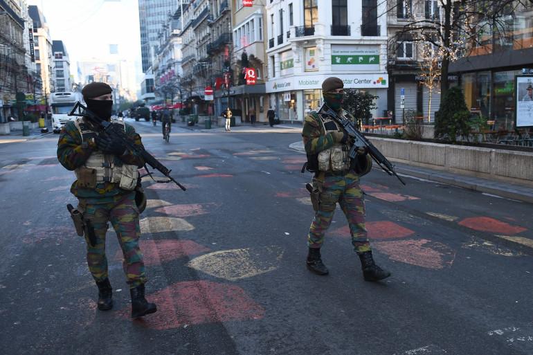 Des militaires dans les rues de Bruxelles, le 23 novembre 2015