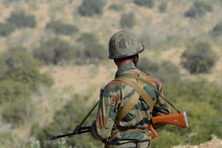Un soldat indien en faction dans la province du Rajasthan 5Inde) le 5 décembre 2015.