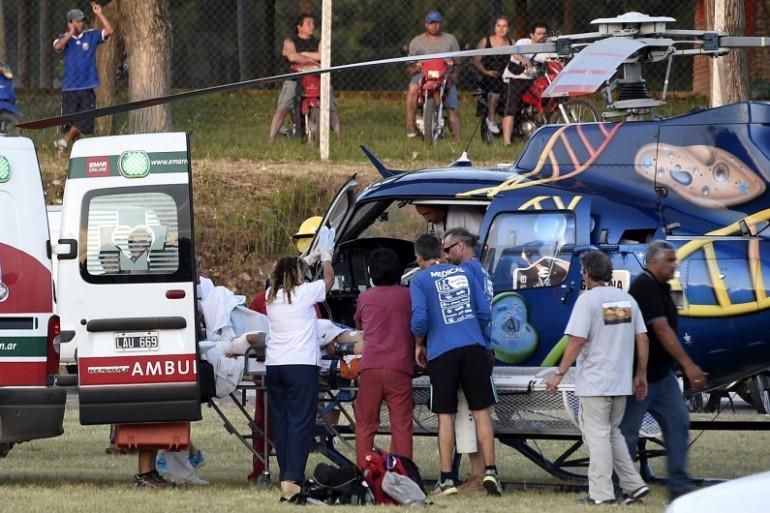 Les équipes de secours sur le lieu de l'accident sur le Dakar 2016, près de Buenos Aires le 2 janvier 2016