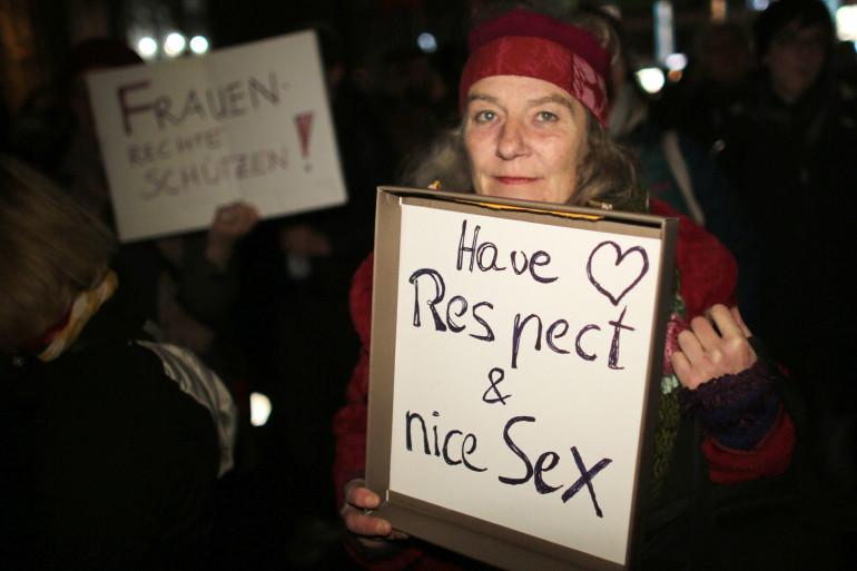 Une manifestante à Cologne, le 5 janvier 2016