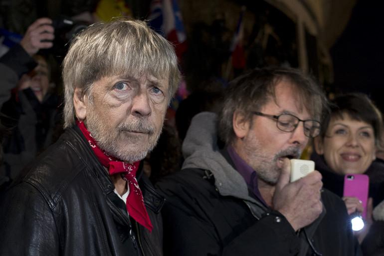 Renaud, au côté de Christophe Alévêque, place de la République le 7 janvier 2016