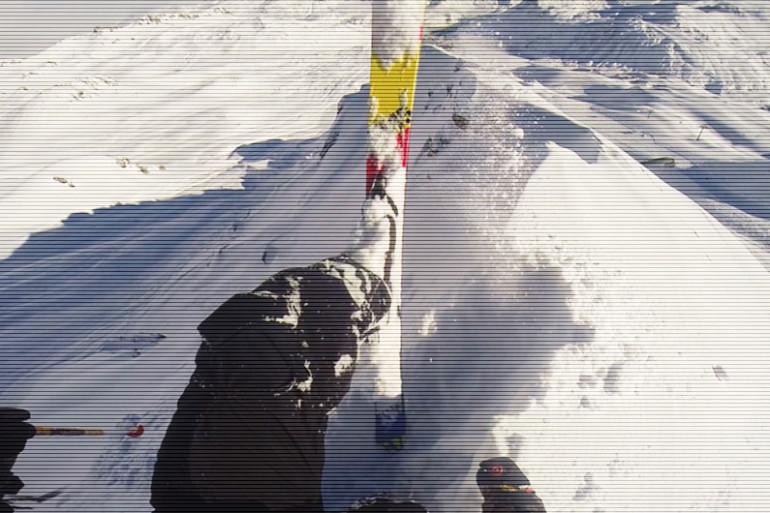 Il filme sa chute dans une avalanche