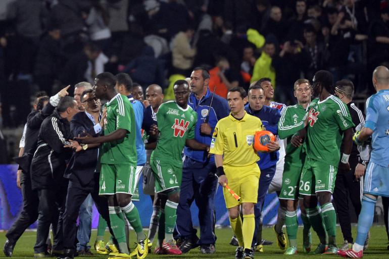 Le derby Lyon-Saint-Étienne se termine dans une ambiance tendue le 30 mars 2014
