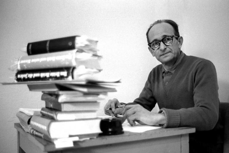 Le criminel nazi Adolf Eichmann dans sa cellule de la prison de Ramie en Israël
