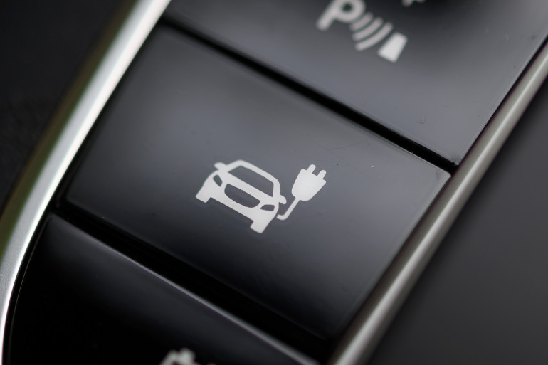 Le symbole du mode de charge d'une voiture hybride à hydrogène.