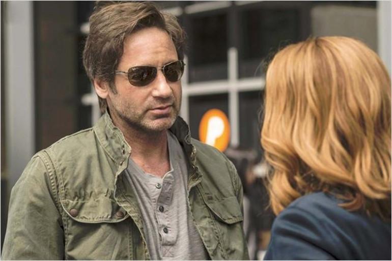 """David Duchovny et Gillian Anderson sont à nouveau à l'écran pour la saison 10 de """"X-Files""""."""