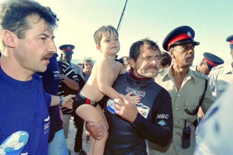Guy Delage à son arrivée sur l'île de la Barbade le 9 février 1995