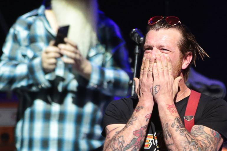 Jesse Hughes, le leader des Eagles of Death Metal, lors du concert à l'Olympia le 16 février 2016