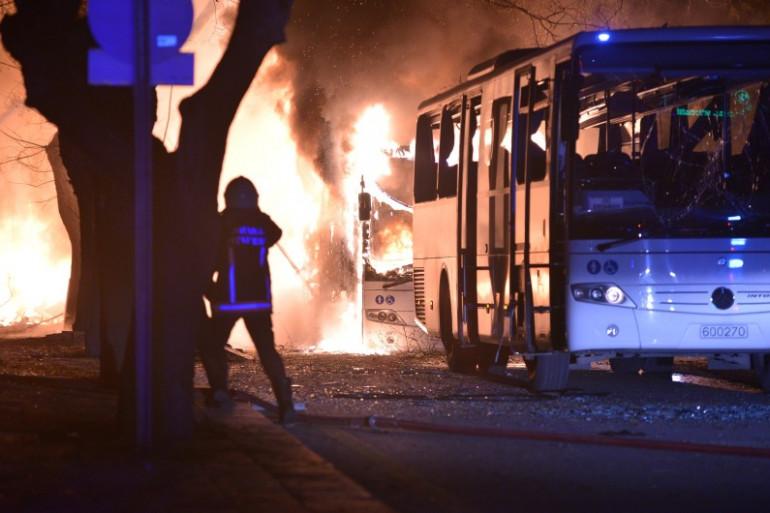 Un attentat suicide a fait 5 morts et 10 blessées à Ankara le 17 février.