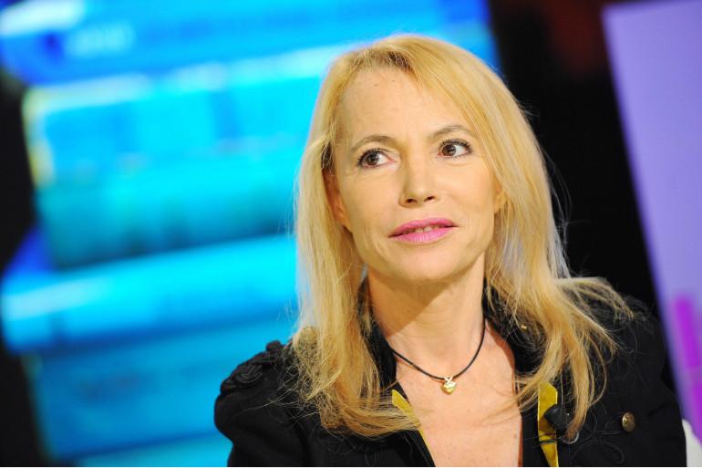 Laure Adler, journaliste et écrivaine française, sur le plateau de France 5 le 10 février 2011