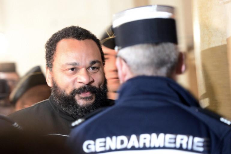 Dieudonné au Palais de Justice de Paris, le 28 janvier 2015 (archives).