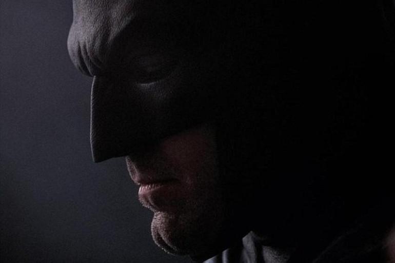"""Ben Affleck porte le masque de Batman pour le film """"Batman v Superman"""""""