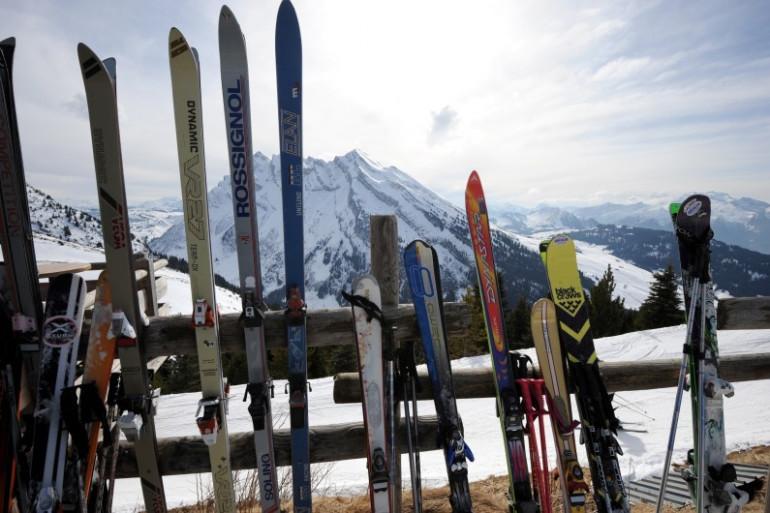 Un homme est mort après un choc avec un autre skieur en Haute-Savoie, dimanche 13 mars.