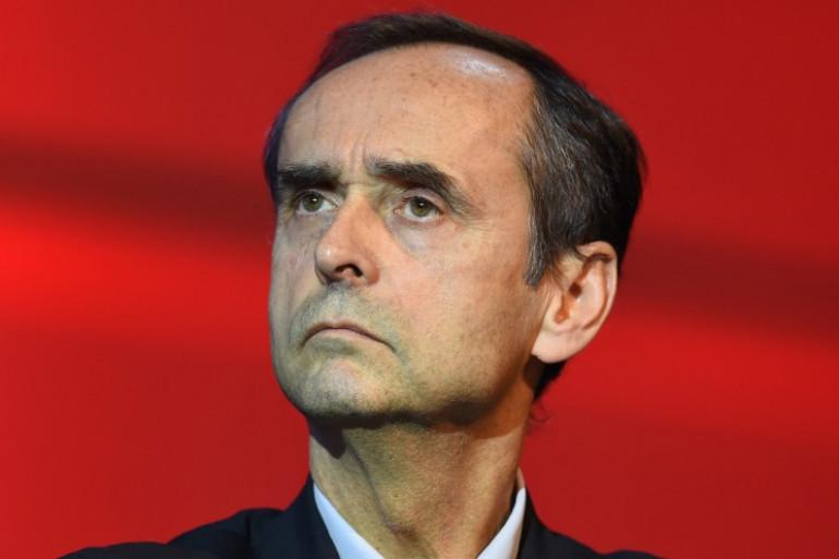 Robert Ménard lors d'un meeting de campagne à Nîmes le 2 décembre.