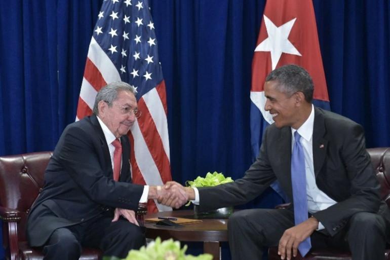 Rencontre entre les présidents cubain Raul Castro et américain Barack Obama le 29 septembre 2015