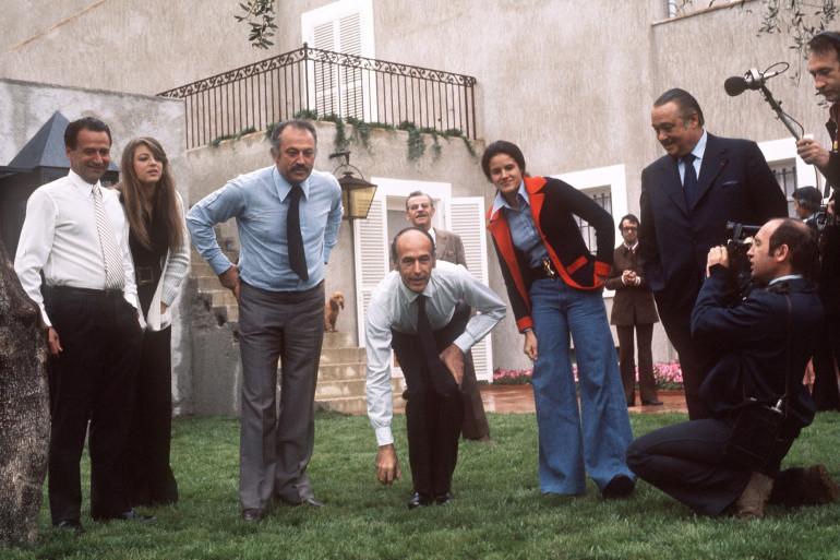 Valéry Giscard d'Estaing lors d'une partie de pétanque à Nice le 1er avril 1974