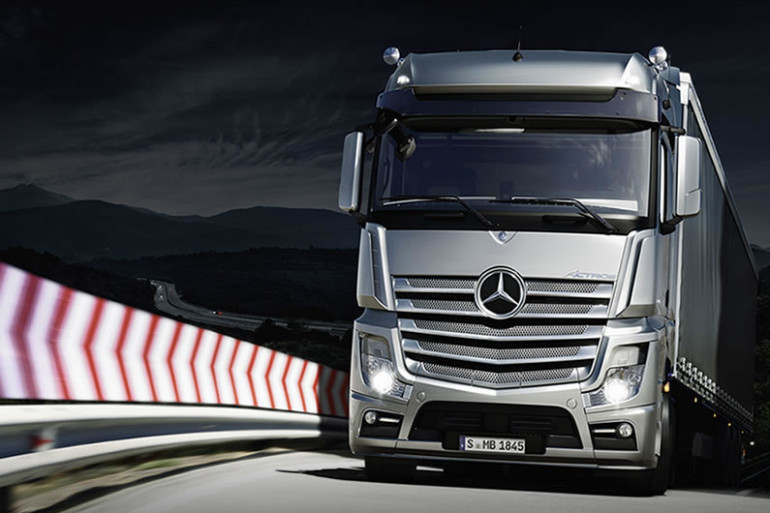 Le Mercedes-Benz Actros, premier camion sans chauffeur