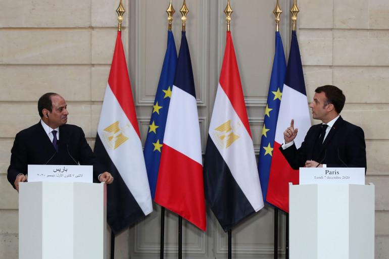 Le Maréchal Al-Sissi et Emmanuel Macron à Paris, le 7 décembre 2020.
