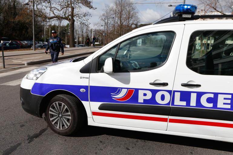 Une voiture de police (illustration)