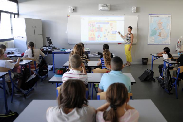 Les élèves d'un collège en Suisse ont été dispensés de serrer la main de leurs enseignantes.