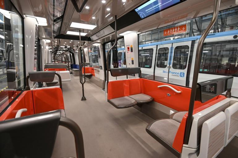 De nouvelles rames de métro, fournies par Alstom, sont également mises en route dès ce lundi 14 décembre sur la ligne 14.