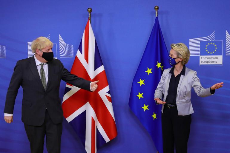 Le Premier ministre Boris Johnson et la présidente de la Commission européenne Ursula von der Leyen, à Bruxelles le 9 décembre 2020.