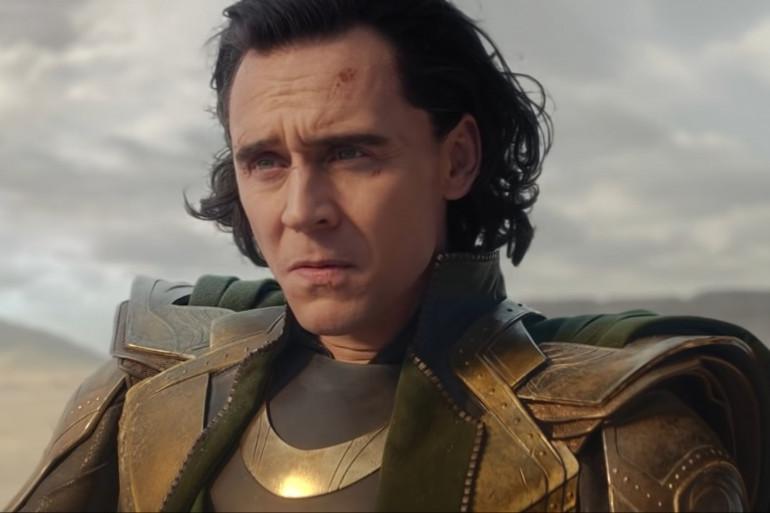 Loki (Tom Hiddleston) en fâcheuse posture dans la série Marvel