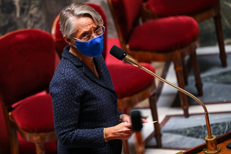 La ministre du Travail Élisabeth Borne à l'Assemblée nationale, le 24 novembre 2020 à Paris.