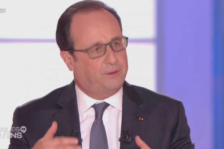 """François Hollande sur le plateau de France 2 pour l'émission """"Dialogues Citoyens"""", le 14 avril 2016"""