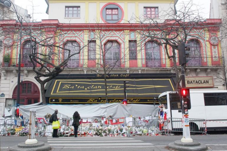 Le Bataclan, un mois après les attentats